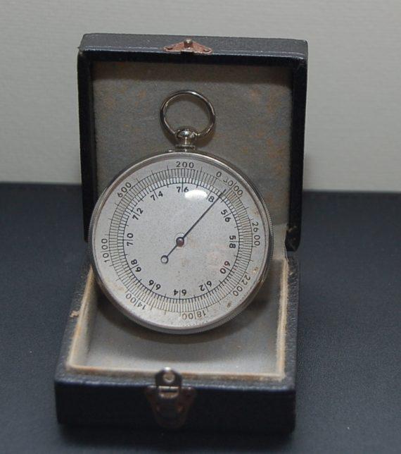 French pocket barometer
