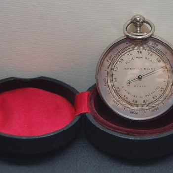 Pocket barometer French_0348