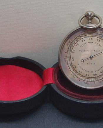 Pocket barometer French
