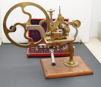 Watchmakers topping tool